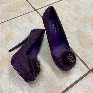 2 Lips Too heels